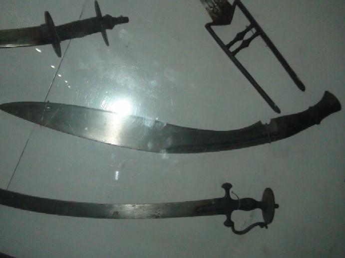 Name:  Jung_Bahadur_Ranas_large_fighting_kukri.jpg Views: 750 Size:  54.2 KB