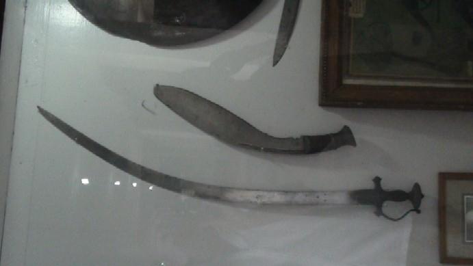 Name:  captain_Sambhir_singh_rayamajhi_weapons.jpg Views: 551 Size:  39.7 KB